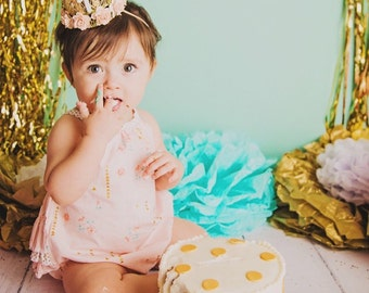 first birthday outfit girl //pink floral cotton romper  // sunsuit // baby romper // floral sunsuit // cake smash  // ruffle romper //