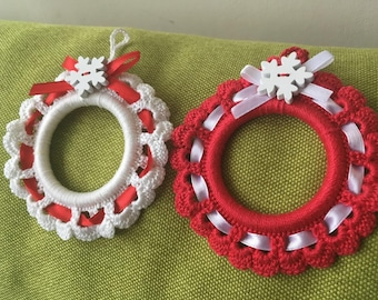 Ready to ship! Crochet wreath, Christmas ornament, Crochet photo frame