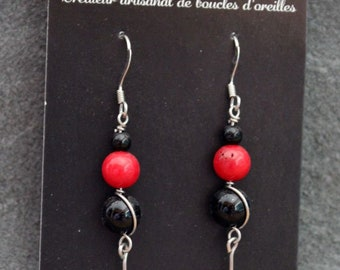 Coral Pearl Earrings in surgical steel and glass beads