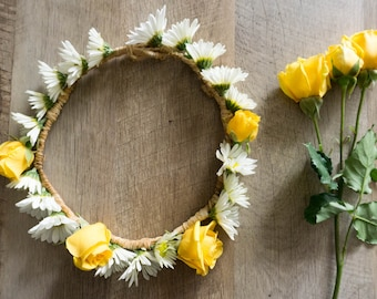 Daisy Days Fresh Flower Crown - White Daisies - Yellow Roses