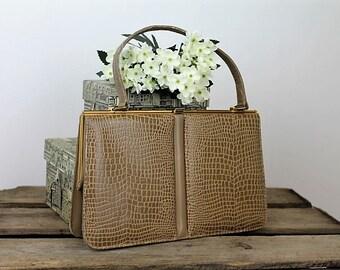 Vintage Leather Handbag/1960's Quality Handbag/Holmes of Norwich Handbag/SALE (1934X)