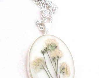 Baby's Breath Resin Pendant Necklace - Real pressed baby's breath flowers in resin, Pressed Flower Jewelry - Resin Necklace - Resin Jewelry