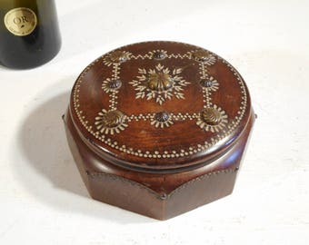 Beautiful French Wooden Octagonal Box With Inlaid Lid.