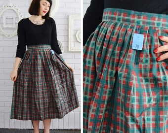 Vintage 1950s Red and Green Plaid Pleated Skirt Size Medium Waist 28