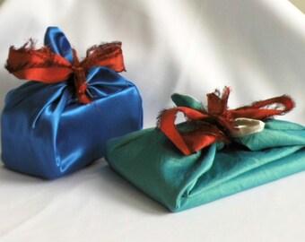 Furoshiki gift wrap set, reusable, shiny blue, turqouise, ivory white, reversible fabric gift wrap, luxury gift embellishment, present wrap