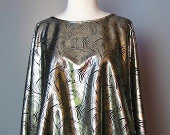 Metallic Foil Top / Vtg 70s 80s / Keri Ann Batwing Foil Top / Swirl Design / Black and Silver