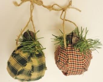 Primitive Rag Ball Ornament, Christmas Decorations, Primitive Ornaments, Tree Ornaments