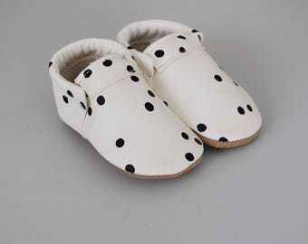 loafers / baby moccasin mocks / soft soled shoes / dots
