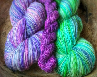 Wishes do come true - shawl kit of single thread handspun yarn and pattern