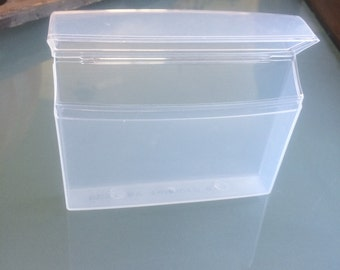 17 Small Plastic Containers