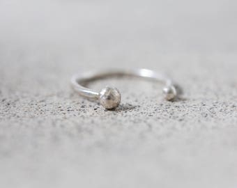 Ring with silver balls, minimal silver jewelry. Delicate ring for women, birthday present or single degree. Mother's Day
