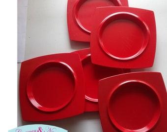 Red melamine dishes for dessert