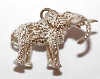 "Vintage Elephant Sterling Silver Bracelet Charm / 3d Detail / 1"" Long (7g)"