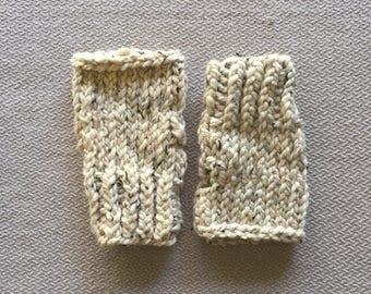 Chunky knit fingerless glove wristwarmer - tan cream oatmeal