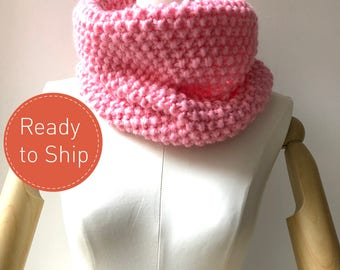 SALE 40% Chunky Knit Scarf/ Pink Scarf/ Chunky Infinity Scarf / Women's Loop Scarf in Pink/ Cozy Snood for Women/ Ladies Knit Winter Scarf/