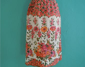 vintage 70's floral spring skirt // knee length floral printed skirt