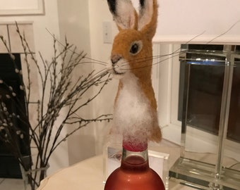 Needlefelt Rabbit bottle topper