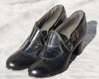 Victorian Flapper Shoes,  Black Leather Heels, Size 6