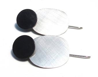 Black and silver drop earrings, 925 silver. Handmade, simple design. Unique jewellery. Round women's earrings.