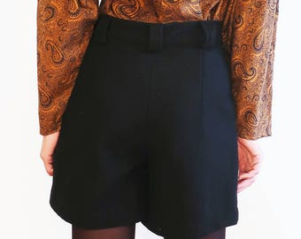 Vintage 1980 80s Wool-blend Black High Waisted Shorts Size M