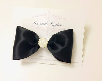 """6"""" A hint of class ( black satin Hairbow )"""