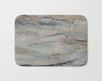 Abstract bath mat, wood look bath mat, neutral bath decor, painted art rug, printed art bath furnishing, beige bathroom decor, arty bathmat