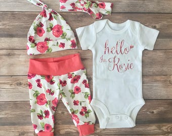 White and Coral Floral Coming Home Outfit, Newborn Girl Outfit, Girl Going Home Outfit, Girl Coming Home Outfit, Floral Newborn, floral