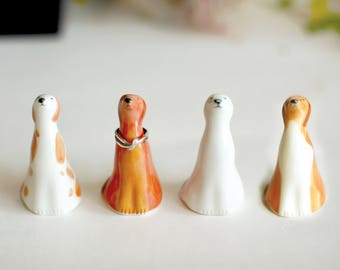 Dog ring cone/Jewelry ring cone/Ceramic ring holders/Animal ceramic jewelry stand/Miniature Sculpture/Handmade ceramics/Ring Accessory