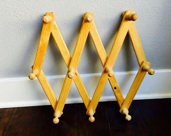 Vintage Accordion Wood Peg Rack/Accordion Wood Rack/Foldable Wood Wall Rack/Hanging Hat Rack/Expandable Wall Hanger/Rustic Decor