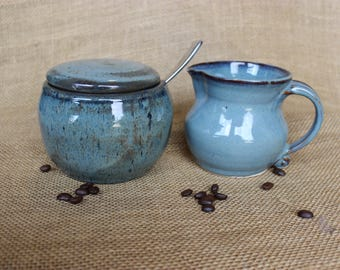 Stoneware cream and sugar set, ceramic sugar bowl and creamer set