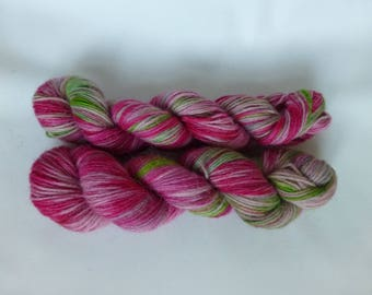 Hand dyed wool in pink/rosa/spring green