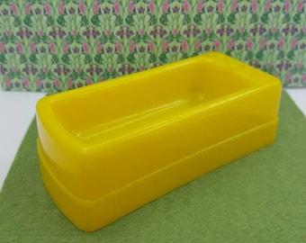 Superior T Cohn  bath tub  Doll House Toy Hard Plastic  yellow