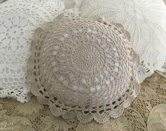 Romantic retro decorative pillow: linen and doily old vC