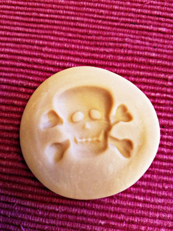 pirate skull cross bones polymer clay mold 38mm x30mm skeleton jewelry making crafts
