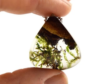 Terrarium Pendant Necklace Nature Necklace Flower Necklace Terrarium Resin Necklace Wood Necklace with Real Moss Gift for her Valentines Day