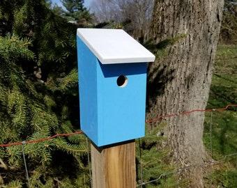Outdoor wooden handmade painted birdhouse Handmade wood gaden decor bird house Outdoor funcitonal garden birdhouse Wooden garden decor