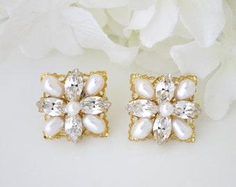 Gold wedding earrings, Square bridal earrings, Swarovski crystal and freshwater pearl earrings, Vintage style rhinestone earrings