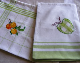 "Embroidered tea towels ""Green Duo"""