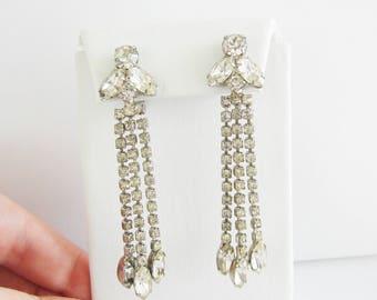 Vintage  long art deco style silver and rhinestone tear drop earrings (A4)