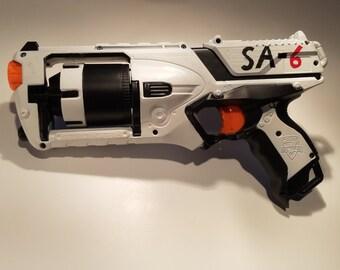 Custom Mass Effect-inspired Energy Pistol by JohnsonArmsProps ...
