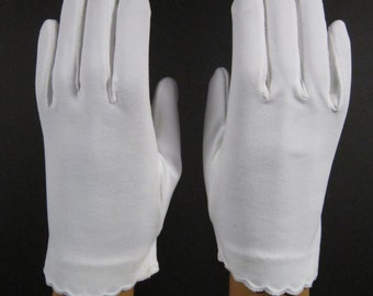 6-1/2 - Vintage White dress/prom/church gloves-7-1/2 inches long(328g)