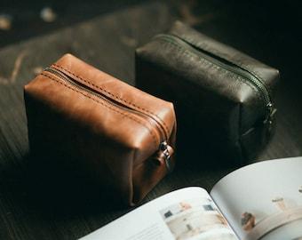 Makeup bag, wedding gift, toiletry bag, cosmetic bag, leather makeup bag, leather toiletry bag, leather travel bag
