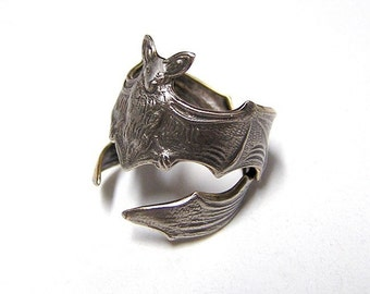Gothic Steampunk Silver FLYING FOX Bat RING, Leathery wing wraps around finger (sw)