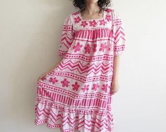 Vintage Pink and White Floral Romana Rull Hawaiian Indian Print Muumuu Kaftan Dress