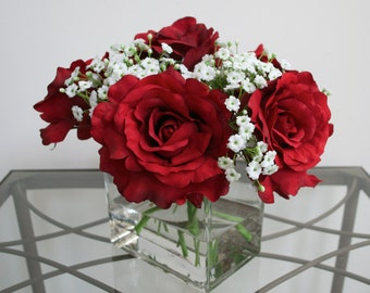 Red Rose Faux Flower Arrangement in Acrylic Water Silk Flower Arrangement, Baby's Breath in Glass Vase, Valentine's Day Flowers