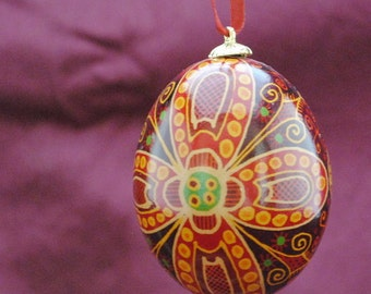 Ukrainian Egg: Burgundy Flower
