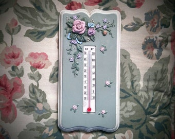 Vintage Thermometer English Garden Wall Thermometer Temperature Gauge Cottage Chic Floral Wall Plaque Retro Country Chic Home 1989 Wang's