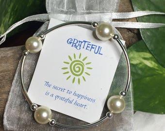 Grateful Pearl Bracelet--Cream/Sterling Single