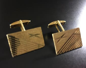 Vintage 14K yellow gold cuff links from the 1960's