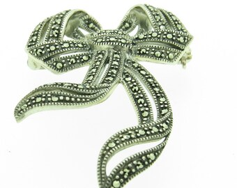 Traditional Silver Bow Brooch (SKU308)